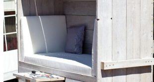 Lounge Koje: Ein Strandkorb aus Holz. Den kann man auch für seinen Garten selbe...
