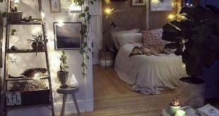 Boho decor idea for a small apartment with bedroom alcove. Are you looking for u...