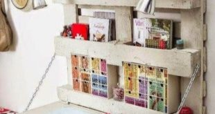 Amazing DIY Space-Saving Pallet Desk Ideas That You Must Try 17