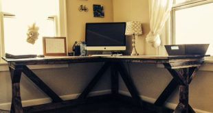 DIY corner desk using @Ana White Fancy X desk plan. Perfect with a vintage offic...