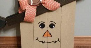Scarecrow and Snowman wooden pallet Decoration (Reversible option)