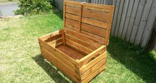We have made this DIY pallet L-shaped desk which is just great to give a service...